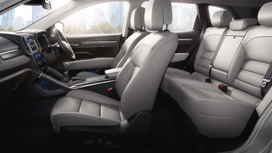 Koleos-interior-grey